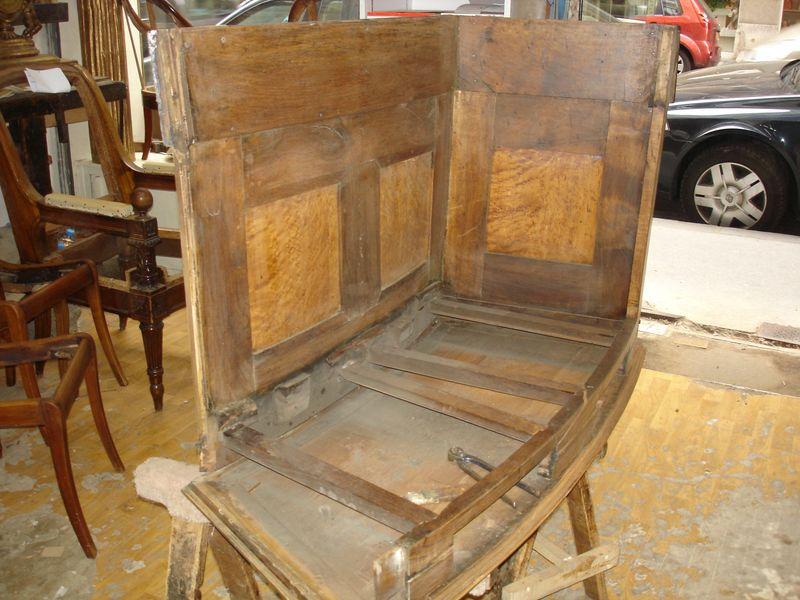Travail en cours de restauration de meuble - Palais Justice Lyon