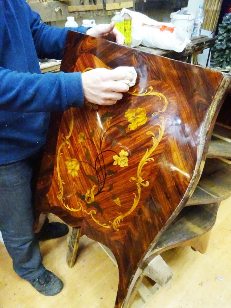 Marqueterie commode Louis Delorme