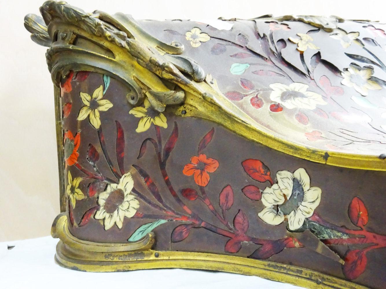 Détail   Cartel style Louis XV - Atelier Luc Vaganay