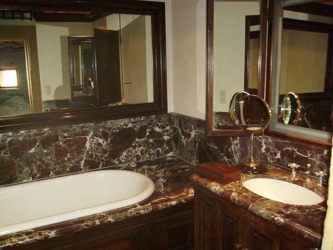 chateau de bagnols 0004 luc vaganay eb niste restaurateur de meubles anciens lyon. Black Bedroom Furniture Sets. Home Design Ideas