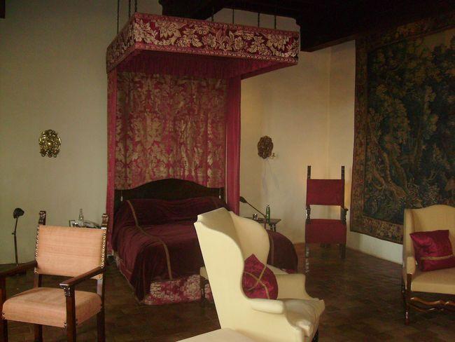 Bagnols - Chambre lit Baldaquin - Suite